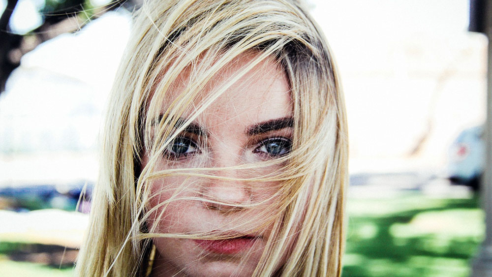 6 stvari koje svakodnevno štete vašoj kosi, a možete ih lako eliminisati