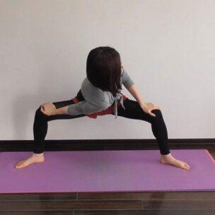 Vežba za istezanje koje skida salo sa stomaka i leči bol u kičmi