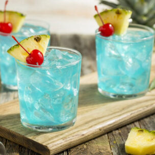 Recept za koktel BLUE HAWAIIAN