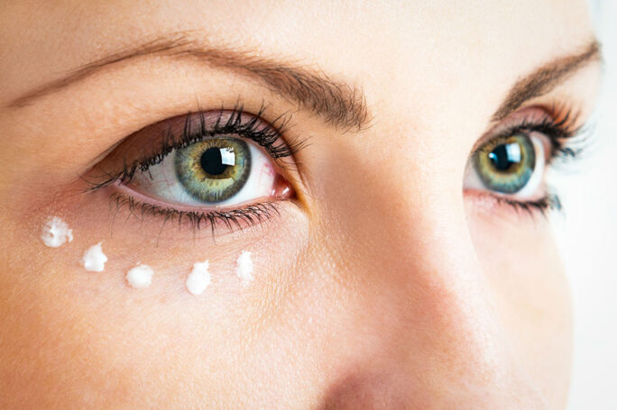 Saveti za pravilno nanošenje kreme za predeo oko očiju