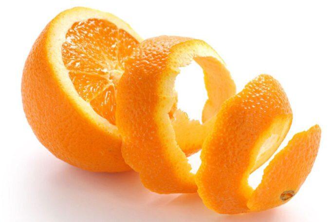 Evo zašto ne treba da bacate koru od pomorandže
