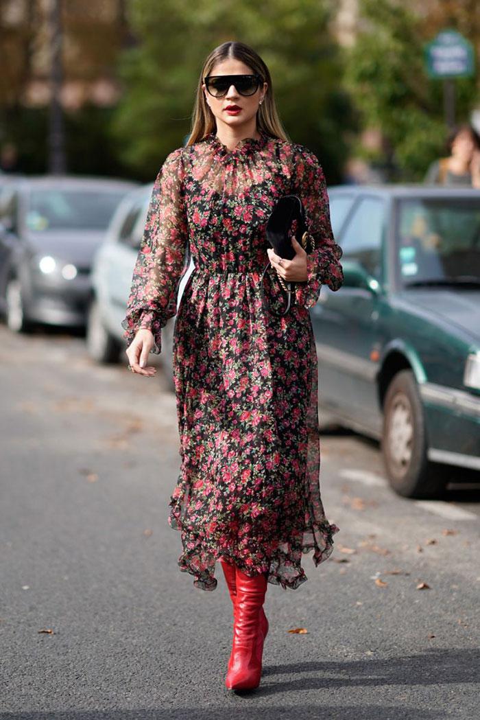 Savršen spoj - visoke čizme i haljina