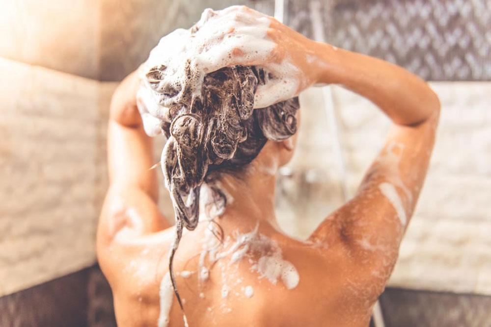 Šampon od praška za pecivo za masnu kosu
