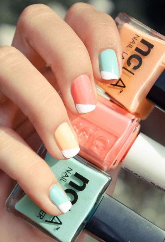 IDEJA ZA MANIKIR: Pastelni tonovi na noktima